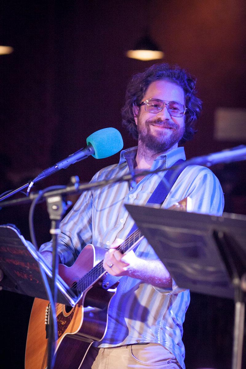 House musician Jonathan Coulton. (Photo by Steve McFarland)
