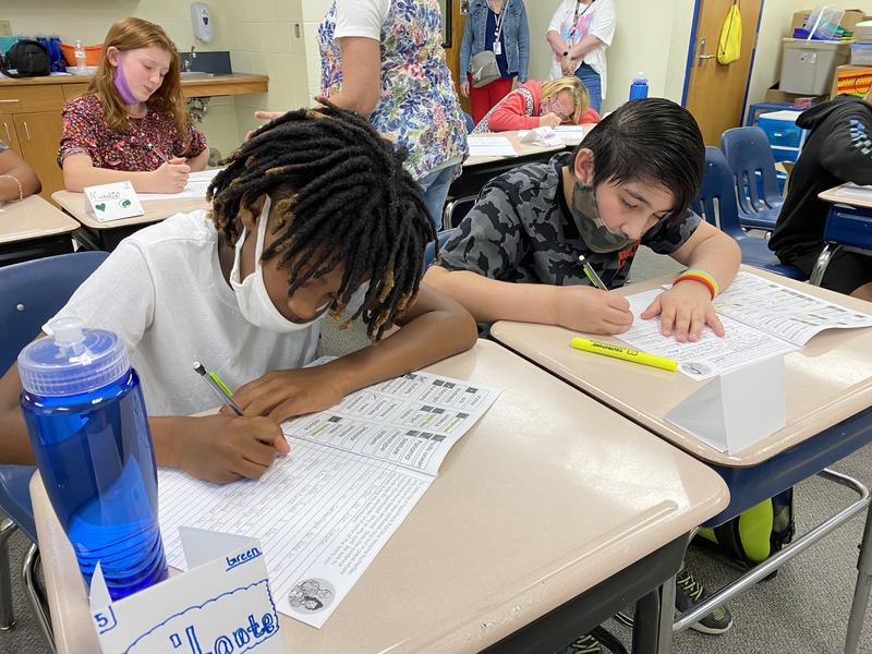 Students at a summer school program at Cessna Elementary School in Wichita. (Photo by Suzanne Perez / Kansas News Service)