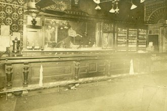 The Carey Hotel Bar in Wichita, Kansas, after Carry Nation threw rocks to break the mirror during a temperance protest on December 27, 1900. (Photo Courtesy of Kansas Historical Society/kansasmemory.org)