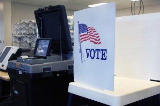 Shawnee County voting machines in 2018. (Photo by Celia Llopis-Jepsen, Kansas News Service)