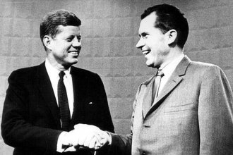 Senator John F. Kennedy (L) and Vice President Richard M. Nixon (R)