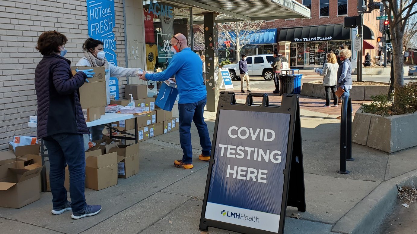 Federal money paid for free COVID-19 tests in downtown Lawrence, Kansas. (Photo by Stephen Koranda)